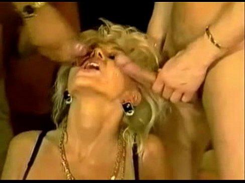 девушка ебать жопа сперма