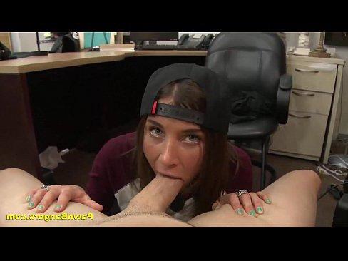 бесплатное порно кончают в рот глотают