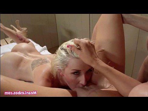 порно подглядывал зрелых мам