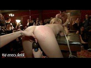порно долбежка в анал милф